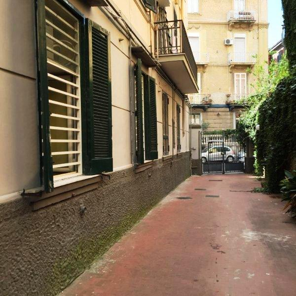 Napoli, Via Aniello Falcone <br /> Prezzo &euro; 180.000,00