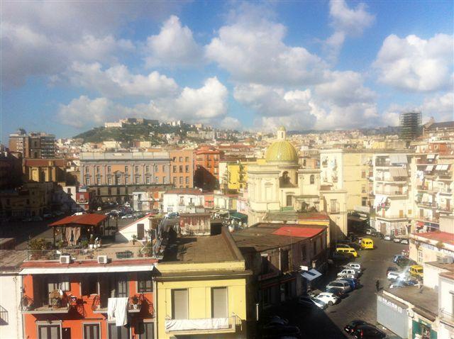 Napoli, Piazza Mercato <br /> Prezzo &euro; 195.000,00