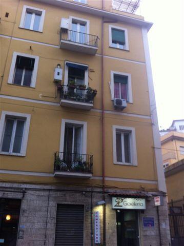 Napoli, Via G. Gigante <br /> Prezzo &euro; 750,00