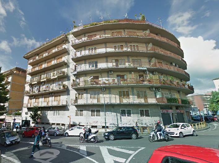 Napoli, via pietro castellino  <br /> Prezzo &euro; 1.000,00