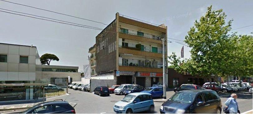 Napoli, Viale Umberto Maddalena <br /> Prezzo &euro; 90.000,00