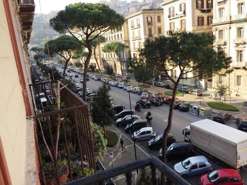 Napoli, Viale Gramsci <br /> Prezzo &euro; 550.000,00